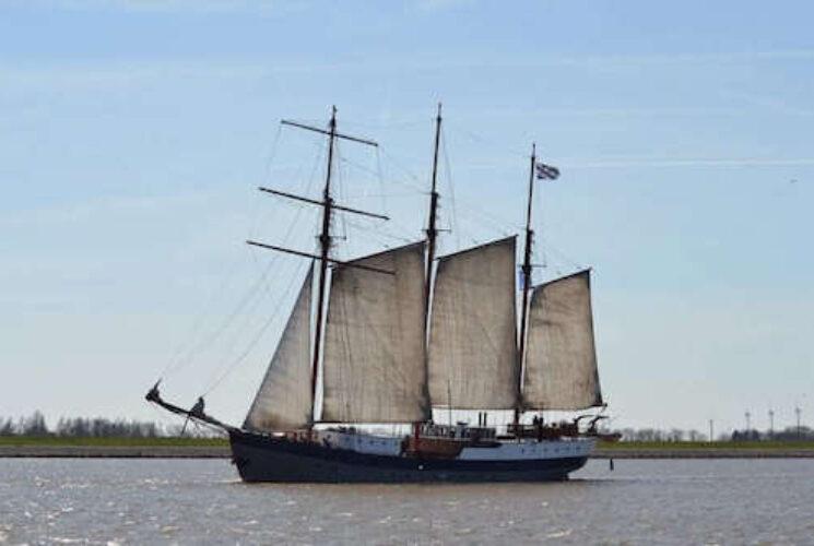 Leafde Fan Fryslân Exterior Sailing 1