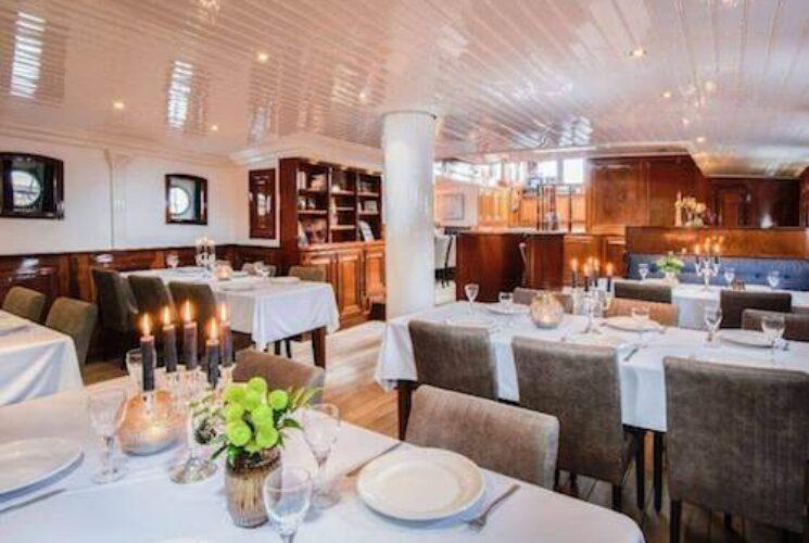 Leafde Fan Fryslân Restaurant Small 1