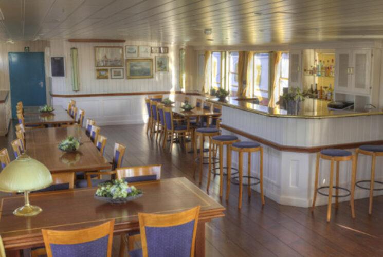Sailing Home Bar