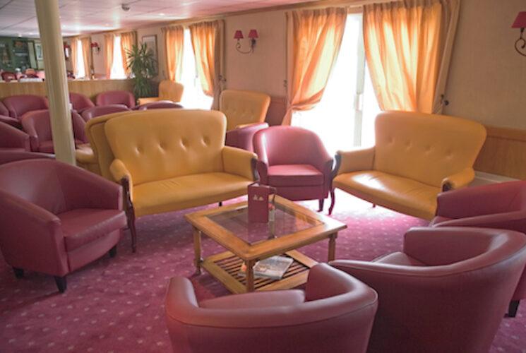 Provence Lounge